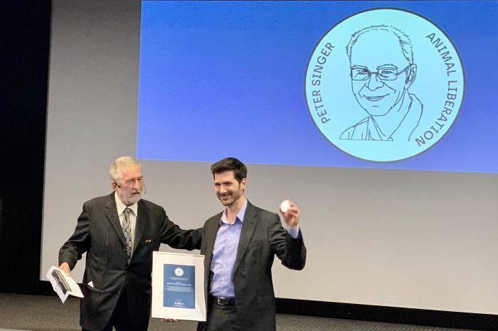 Mahi Klosterhalfen awarded Peter Singer Prize